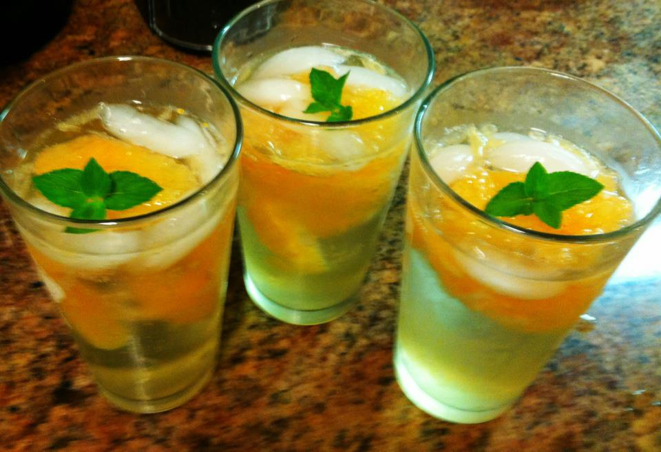 grapefruit-and-mint-mojitos